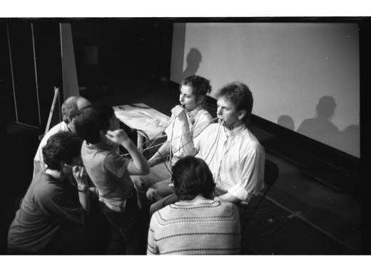 Anna Banana and Jurgen Olbrich performing 'Ideas are Linked', 1984.