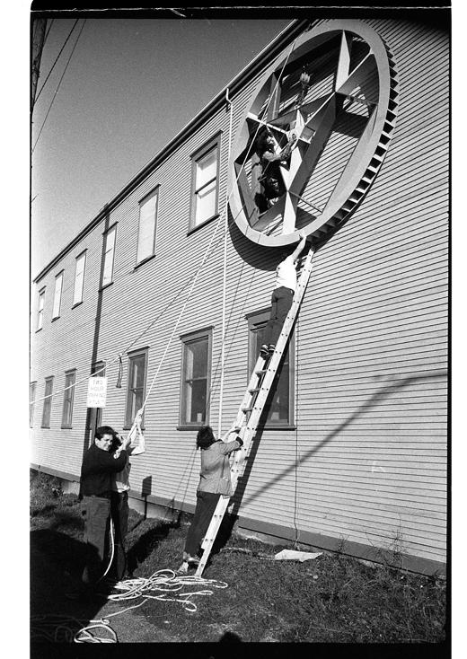 """Eric Metcalfe and Alan Storey installing """"Front"""" 1985"""