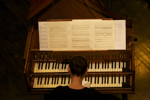 Katelyn Clark (harpsichord). Photo: Pascal Lysaught