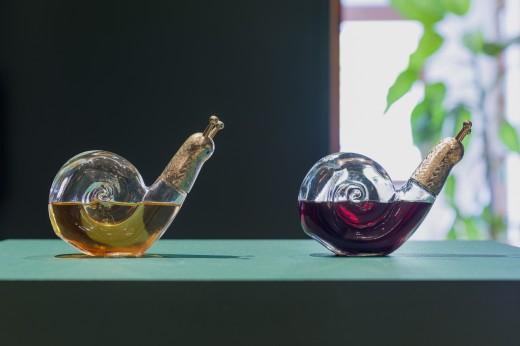 Aleesa Cohene, Whoa (Moused Wine), 2018